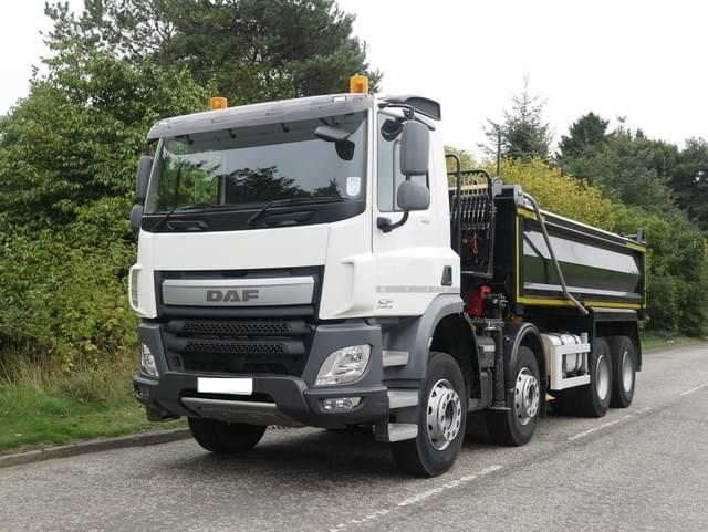 8 wheel tipper lorry hire